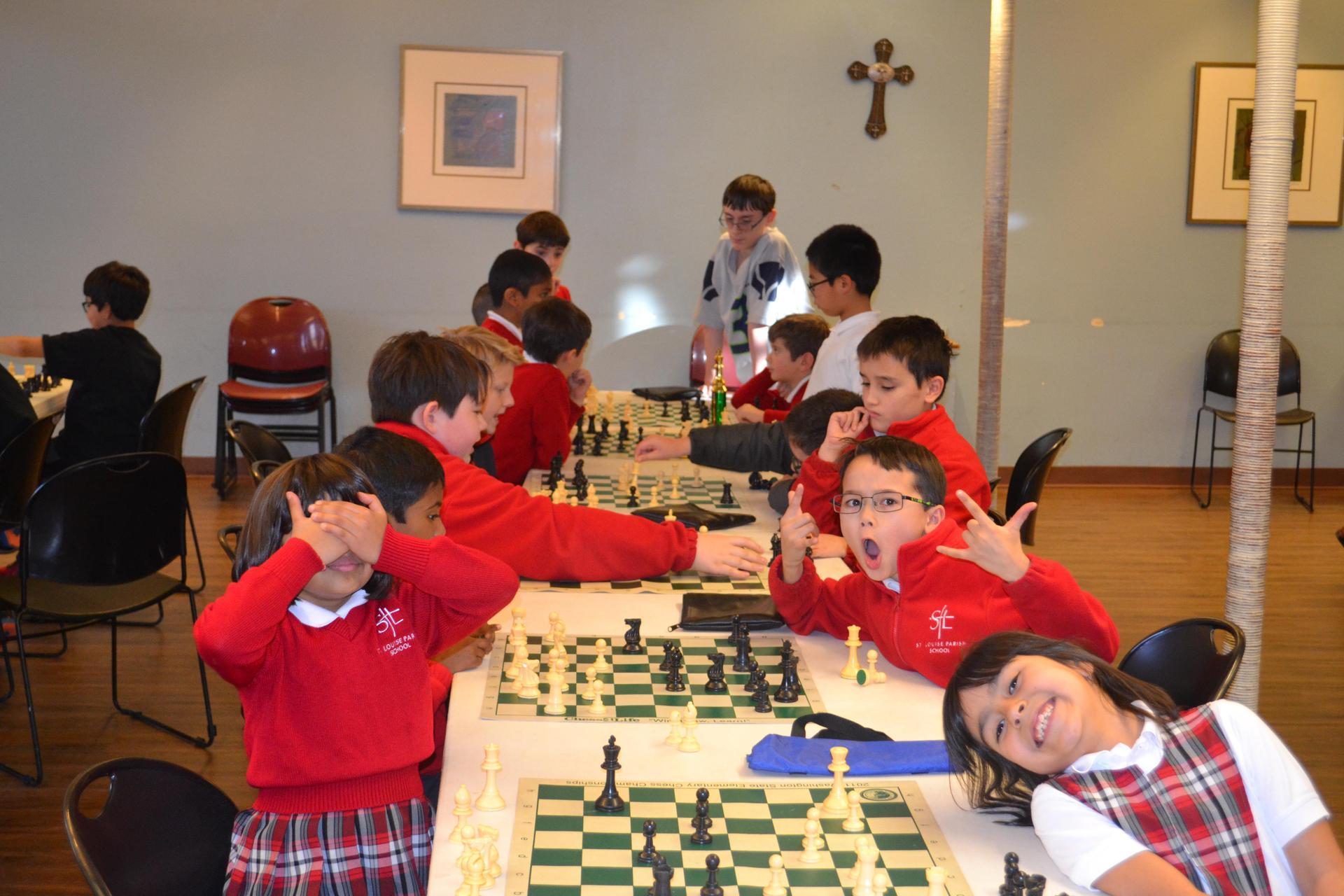fb chess play instruction
